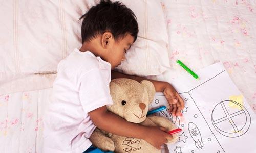 """孩子睡不好能靠""""助眠神器""""吗"""