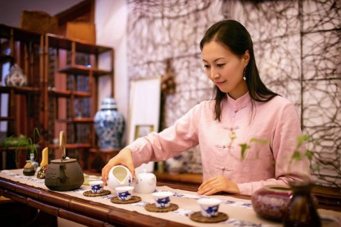 女性经常饮茶可保护骨密度
