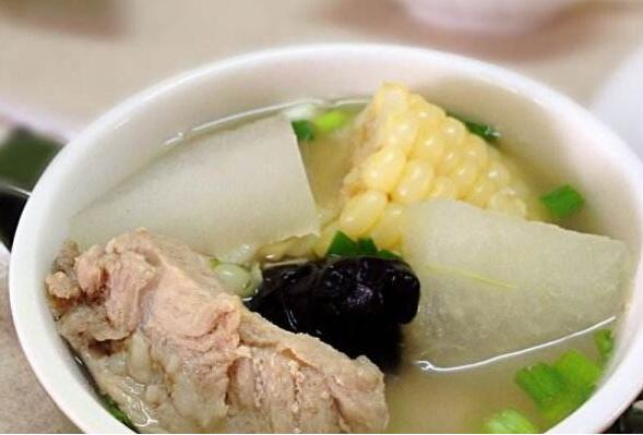 解暑化湿 推荐藿香冬瓜排骨汤