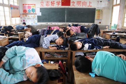 小学生多睡午觉成绩或更好