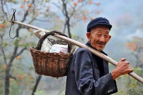 老年人的衣食住行有讲究
