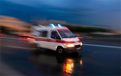 整顿黑救护车须疏堵结合