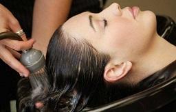 女人来月经能不能洗头发