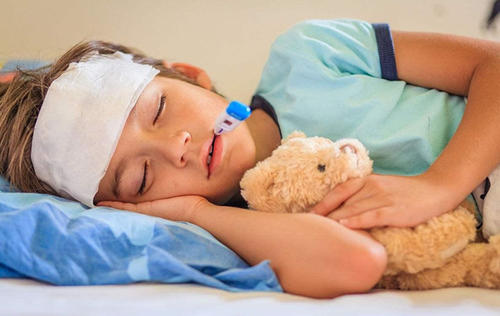 孩子反复感冒发烧 小心听力下降