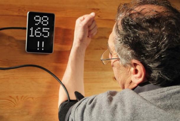 在家测血压,怎样才能更准?